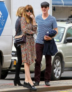 1399471685_benedict-cumberbatch-dakota-johnson-zoom