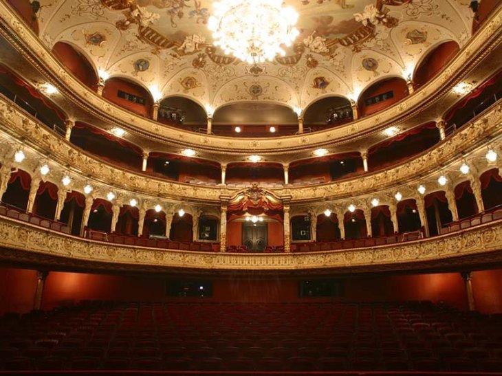 hessisches-staatstheater-wiesbaden-germany