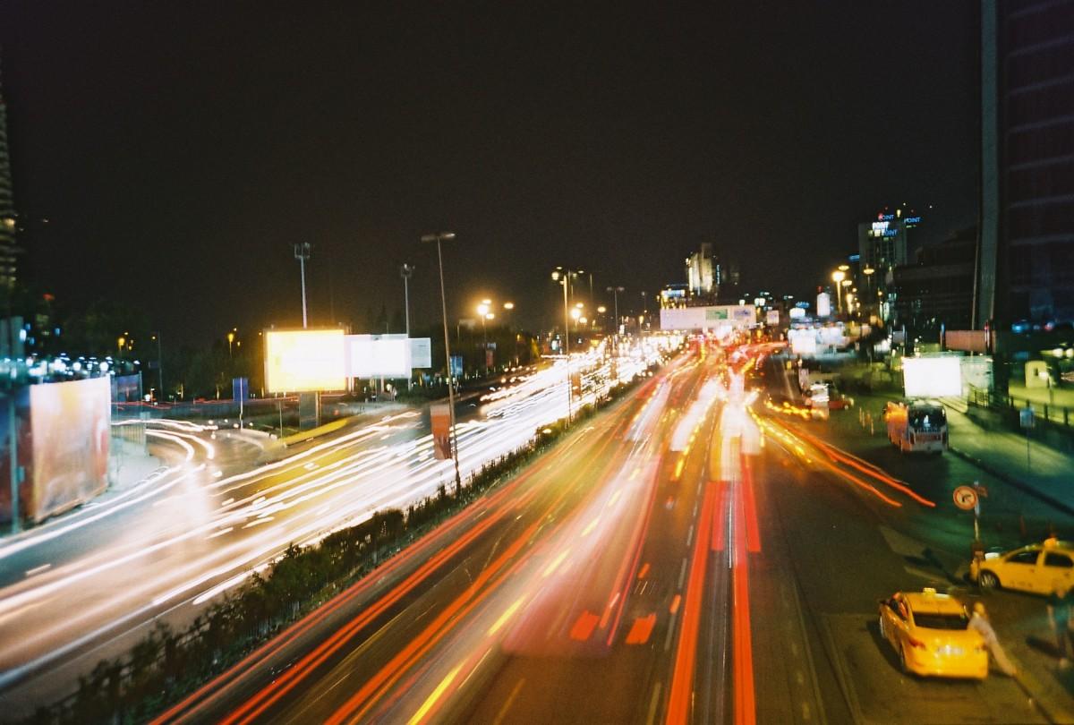 Uzun Pozlama: Araba Işıkları