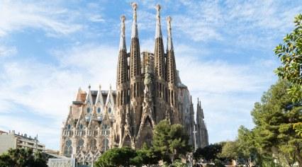 Sagrada-Familia-In-Barcelona-Bookmundi.jpg